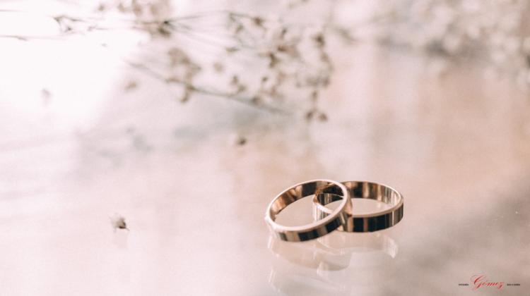 Aprende a escoger tus anillos de compromiso perfectos para tu boda